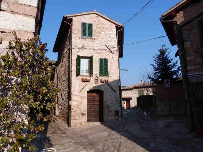 Vendita case ricerca case in vendita montefalco bevagna for Immagini case ristrutturate