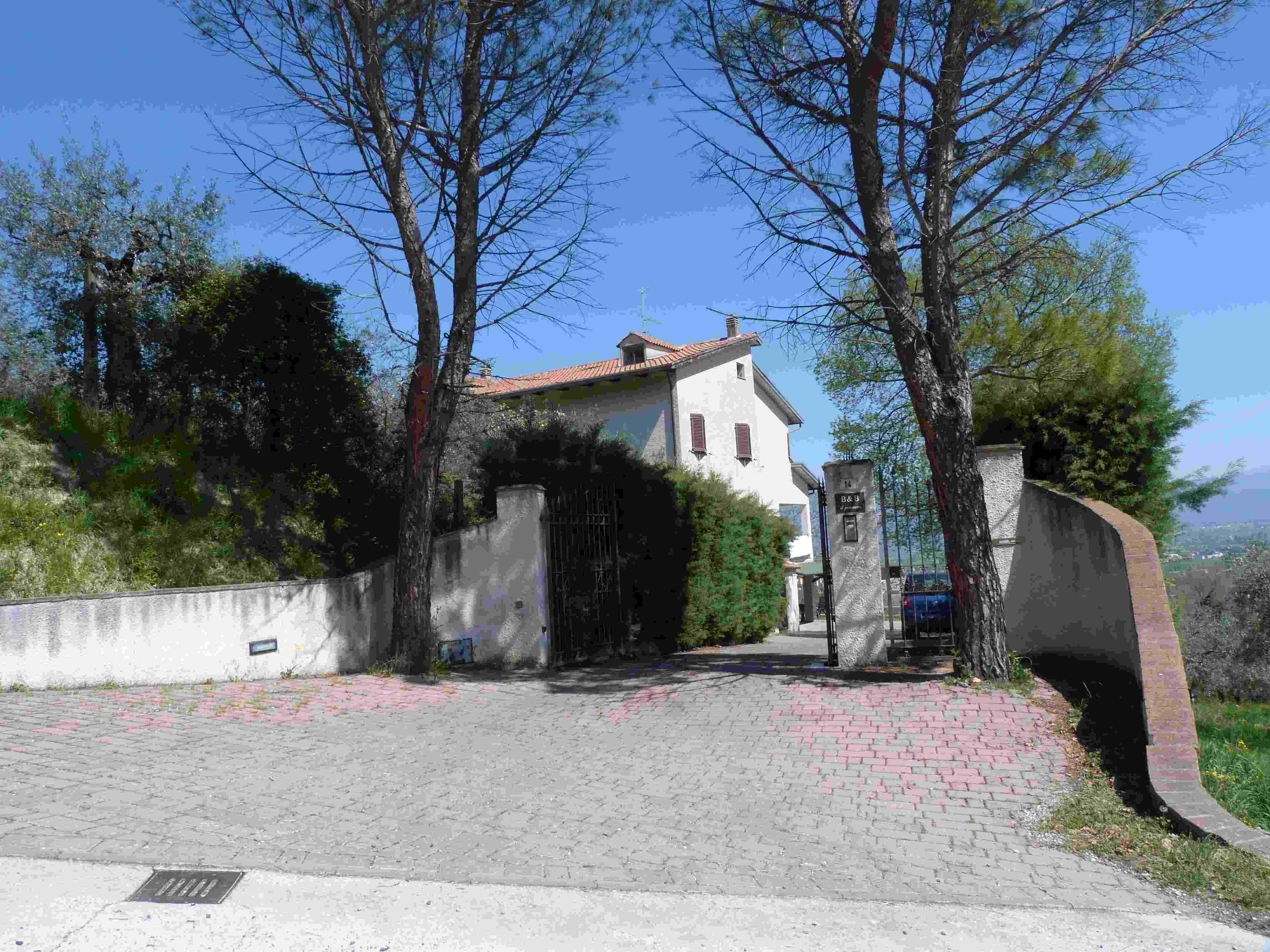 Donati agenzia immobiliare trevi vendita casali umbria e rustici - Arredamento ville e casali ...